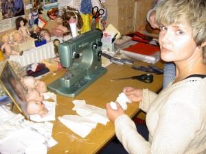 Anneli i verkstaden